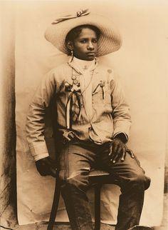"""Agustin V. Casasola (1874-1938), """"Portrait of a Female Soldier from Michoacan/Retrato de una soldadera de Michoacan,"""" 1910"""