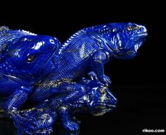 "5.7 "" Carved Lapis Lazuli Lizards Sculpture. Stone origin : Afghanistan. Via rikoo.com ( close up )"