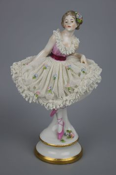 Antique Dresden Volkstedt figurine Dancing Lady 3