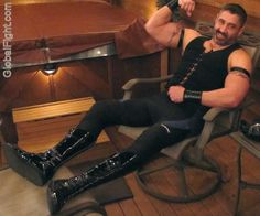 a gay bodybuilders biceps leather daddy boots free pics