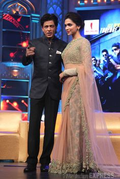Shah Rukh Khan and Deepika Padukone looked absolutely lovely together as they posed for the cameras at Happy New Year music launch.