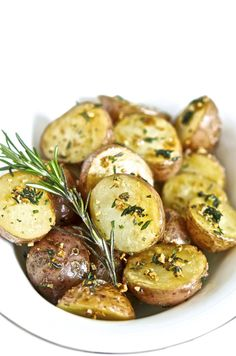 The Life of a Vegan Sauteed Potatoes, Shrimp, Vegan Recipes, Meat, Food, Potato Fry, Vegane Rezepte, Essen, Meals