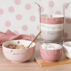 4 Earthenware Bowls with Metal Holder on Maisons du Monde. Cute Kitchen, Kitchen Items, Kitchen Utensils, Kitchen Tools, Kitchen Gadgets, Pink Kitchen Appliances, Kitchen Appliance Storage, Rose Gold Kitchen, Pink Kitchen Decor