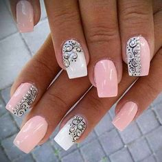 Trending Nagelkunst 5 practical ways to apply nail polish without errors Es ist fast eine Prüfung, Nagellack Fancy Nails, Cute Nails, Pretty Nails, My Nails, Fabulous Nails, Gorgeous Nails, Spring Nails, Summer Nails, Pink Summer