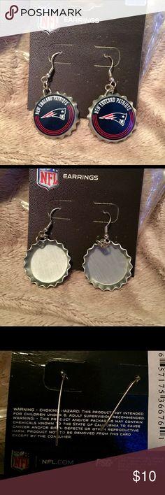 Patriots Bottle-cap Earrings nwt NFL merchandise New England Patriots Bottle-Cap Pierced Earrings Brand New in Pkg. NFL Jewelry Earrings