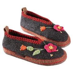 Women's Tyrolean Slippers | National Geographic Store