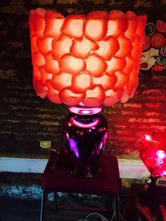 Gekke lamp van cupcake houders