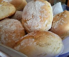 Schnelle Joghurtbrötchen Fast yogurt rolls from Maulmont. A Thermomix ® recipe from the category Bread & Rolls on www.de, the Thermomix® Community. I Love Food, Good Food, Yummy Food, German Bread, Bread Bun, Biscuit Bread, Pampered Chef, Food Inspiration, Bagel Pizza