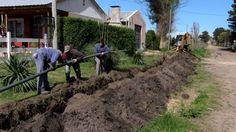 LAVOZ DEL QUEQUEN : Satisfacción de vecinos por conexión del servicio ...