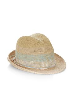 This straw trilby hat for girls is woven with stripes, and decorated with twine ribbon trims. This sunshine-ready piece has a pinched crown and a short, up-turned brim. Warning! Not suitable for children under 36 months.