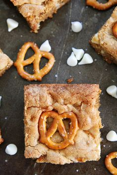 White Chocolate Pretzel Blondies-the sweet and salty combo is amazing!