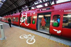 The S-Train at Copenhagen Central Station with a special section for bicycles. Park Signage, Wayfinding Signage, Commuter Train, Commuter Bike, Bicycle Pictures, E Mobility, Outdoor Signage, Urban Bike, Bike Photo
