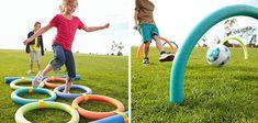 Los churros de gomaespuma, además de servir para flotar en la piscina, son estupendos para crear los obstáculos de tu gymkana. En parents nos enseñan cómo hacerlo con tan sólo churros de piscina y cinta adhesiva.