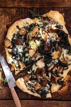 roasted mushroom kale pizza - December 08 2018 at - Amazing Ideas - and Inspiration - Yummy Recipes - Paradise - - Vegan Vegetarian And Delicious Nutritious Meals - Weighloss Motivation - Healthy Lifestyle Choices Roasted Mushrooms, Stuffed Mushrooms, Balsamic Mushrooms, Vegetarian Recipes, Cooking Recipes, Healthy Recipes, Healthy Pizza, Vegan Pizza, Gourmet Pizza Recipes