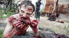 Video Extra - The Walking Dead - Zombie Guts: Inside The Walking . The Walking Dead, Walking Dead Zombies, Zombie Hair, Zombie Survival Guide, Zombie Monster, Best Zombie, Ellen Page, Second Doctor, Zombie Attack