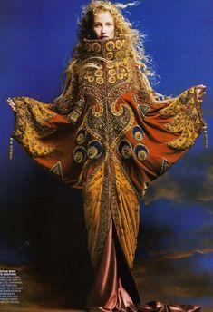 John Galliano for Christian Dior - Haute Couture - 1998 - Opera coat - Spring Summer Collection John Galliano, Galliano Dior, Beauty And Fashion, Fashion Art, Editorial Fashion, Vintage Fashion, Womens Fashion, Fashion Design, Vintage Dior