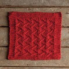 Ravelry: Zickzack Dishcloth pattern by Stacey Winklepleck Dishcloth Knitting Patterns, Knitting Stitches, Knit Patterns, Stitch Patterns, Knitted Washcloths, Crochet Dishcloths, Knit Or Crochet, Knitting Blogs, Free Knitting