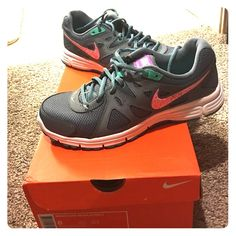 0c91b8892e49 New nikes. Size Womens Nike revolution With box.