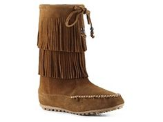 I pretty much need these Minnetonka Decorah Boot.