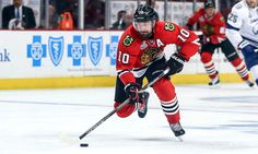 Blackhawks counting on bounce-back effort from Patrick Sharp = There's nothing wrong with the Chicago Blackhawks bringing Patrick Sharp back. Particularly for what he's costing them: Virtually nothing. Chicago will take an $800,000 cap hit to have its former star wing back in the lineup this season. Sharp, 35, struggled last season in Dallas, but he's.....