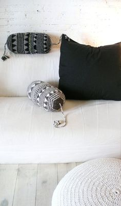 Pillow Crochet Marrakech    gray triangles por lacasadecoto en Etsy, €26.00