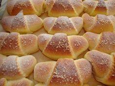 Jemné kysnuté rohlíčky Snack Recipes, Snacks, Hot Dog Buns, Chips, Bread, Vegetables, Anna, Food, Basket