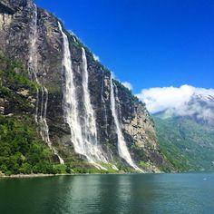Geirangerfjord, Norway  spettacolo della natura, patrimonio dell'Unesco ... Grandi emozioni  #kel12 #geirangerfjord #fjord #geirangerfjorden #norway #explorenorway #visitnorway #norvegia #fiordi #natura #nature #bellezzaincredibile #emozioni