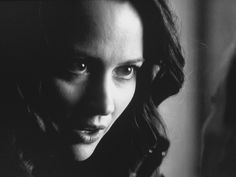 Amy Acker is the sweetest human, she can turn into scary Root with a love of torture. Acting! #PersonOfInterest @CBS