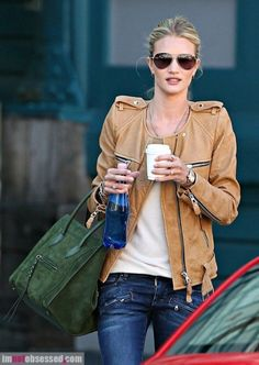 Love the look. Bag and jacket, very pretty.