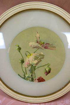 "Pretty Vintage Floral Print Set in Off-White Matte with Round Cream Frame - 15"" Diameter"