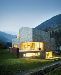 House Haller by Haller Jürgen and Peter Plattner Architects Swiss Architecture, Amazing Architecture, Contemporary Architecture, Interior Architecture, Home Design, Building Structure, Monuments, Modern Exterior, Exterior Design