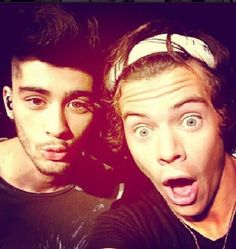 Zayn malik , harry styles One direction :) One Direction Fotos, One Direction Wallpaper, One Direction Pictures, I Love One Direction, Zayn Malik, Niall Horan, Entertainment Weekly, Liam Payne, Wattpad