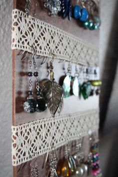 Lovely lacey earring hangers dorm decor for earring lovers like me ♥ jewellery storage Earring Hanger, Earring Display, Earring Holders, Diy And Crafts, Arts And Crafts, Diy Jewelry Holder, Jewelry Rack, Jewelry Box, Jewelry Chest