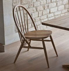 Sunray chair Matthew Hilton. In a way it is not really a Windsor chair as the legs and rear frame are not divided by the seat. However interesting modernisation.