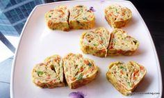 Rolled egg side dish recipe, heart shaped gyeranmalyee 하트 계란말이 #koreanfood #koreancooking #koreanrecipe #lovekoreanfood #koreanegg #koreanvegetarian  http://crazykoreancooking.com/recipe/rolled-egg-side-dish-recipe-heart-shaped
