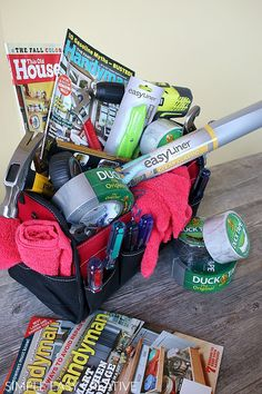 MEN'S GIFT BASKET :: HANDYMAN SPECIAL -- Treat the men in your to a gift basket filled with supplies to make their life easier! #giftbasketformen #giftbasket #handyman #fathersdaygift #mensgiftbasket #ad