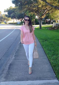 Pink Tee White Jeans | thetrendyprofessional.com