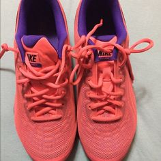 Nike size 8.5 women's shoes, worn twice! Very comfortable shoes! Can be used as running, workout or lounging shoes! Nike Shoes Athletic Shoes