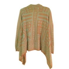 BOUTIQUE SWEATER Size small aztec design sweater. Worn a few times **rember to bundle and save 10%** no holds/trades Francesca's Collections Sweaters Cardigans