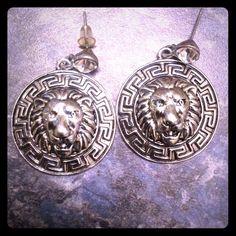 Rasta chick lion head earrings handmade Really nice silver earrings. Lion face. Jewelry Earrings
