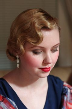 Vintage Hairstyles For Prom hair styles to adore Wedding Hair And Makeup, Bridal Hair, Hair Makeup, Retro Hairstyles, Wedding Hairstyles, Wavy Hairstyles, Estilo Gatsby, Vintage Updo, Vintage Makeup