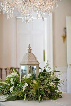 Hemos realizado un artículo con 4 originales centros para tus celebraciones navideñas:  http://www.cartamoflores.es/2014/12/cinco-sencillos-centros-para-tu.html  #Navidad #Flores