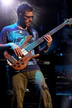 Stefan Lessard...favorite bass dancer | DMB