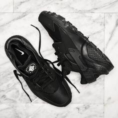 Nike Air Huarache Run, all-black