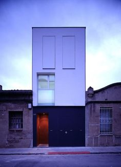 HOUSE 127 - Barcellona Spain  A project by HARQUITECTES  http://www.harquitectes.com/#/ca/h/projectes/unifamiliar/casa-127