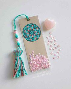 Diy Crafts Hacks, Diy Arts And Crafts, Paper Crafts, Creative Bookmarks, Diy Bookmarks, Bookmark Craft, Bookmark Ideas, Handmade Diary, Wedding Cards Handmade