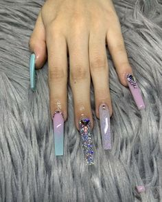 21 Super Cute Nails You Have to Try – Healthick Drip Nails, Aycrlic Nails, Glam Nails, Bling Nails, Cute Nails, Pretty Nails, Hair And Nails, Coffin Nails, Clear Glitter Nails