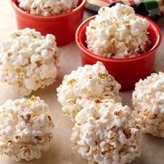 Traditional Popcorn Balls - - Kids of all ages enjoy this popcorn ball recipe as an old-fashioned holiday treat. One batch goes a long way. Homemade Popcorn, Popcorn Recipes, Candy Recipes, Snack Recipes, Dessert Recipes, Cooking Recipes, Snacks Homemade, Popcorn Balls Recipe Halloween, Popcorn Snacks