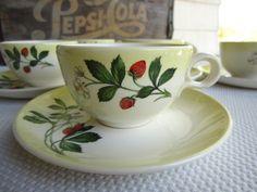 Vintage fresa Taylor Smith Taylor taza y juego de platillos de 6