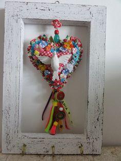 Blog de artxzen :Mônica Franco * Arte e Artesanato * ArtxZen * Salvador - Bahia - Brasil, Porta -chaves Divino Coração - Fitas